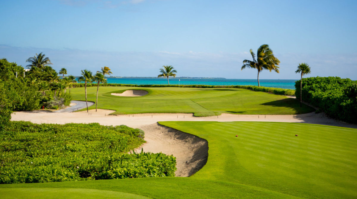Picture-of-our-Signature-Hole-with-spectacular-view-of-the-Caribbean-Sea.-Par-3
