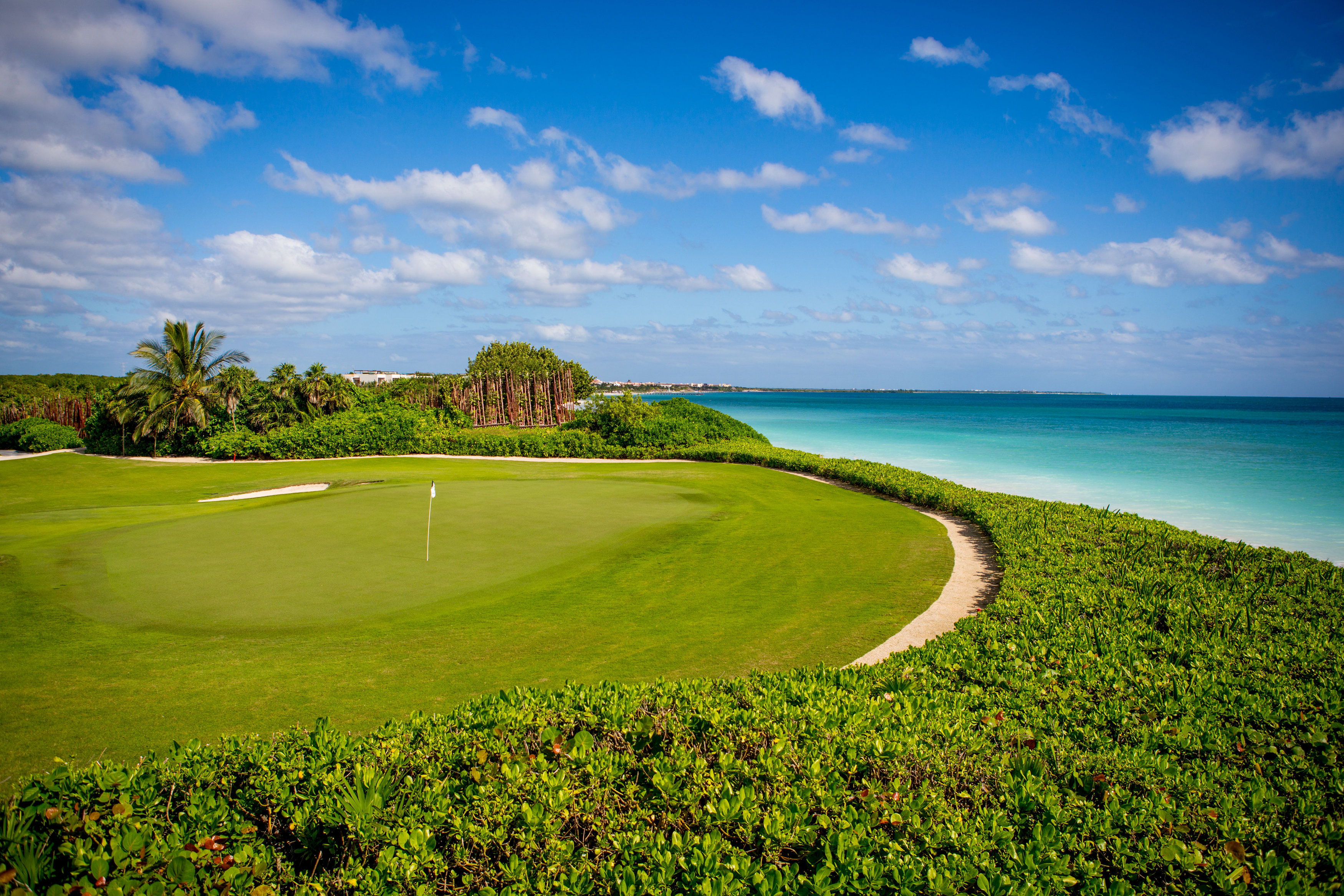 View-of-the-7th-Green-with-the-Caribbean-Sea-in-the-background.-Par-3